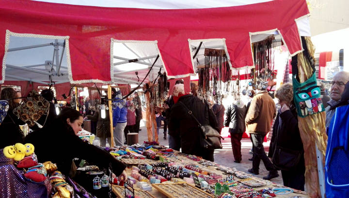 La Fira del Camí Ral, que celebrarà la 20a edició, obre les inscripcions per a comerços i entitats