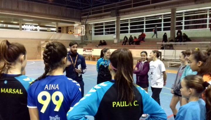 Vilanova del Camí enceta les jornades de tecnificació d'handbol per buscar talents infantils