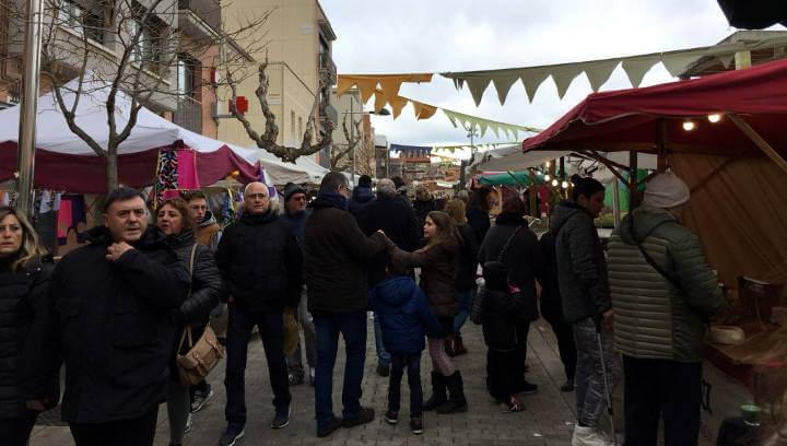 La Fira del Camí Ral torna a omplir de visitants Vilanova del Camí amb una ambientació pròpia de l'edat mitjana |FOTOS i ÀUDIO|