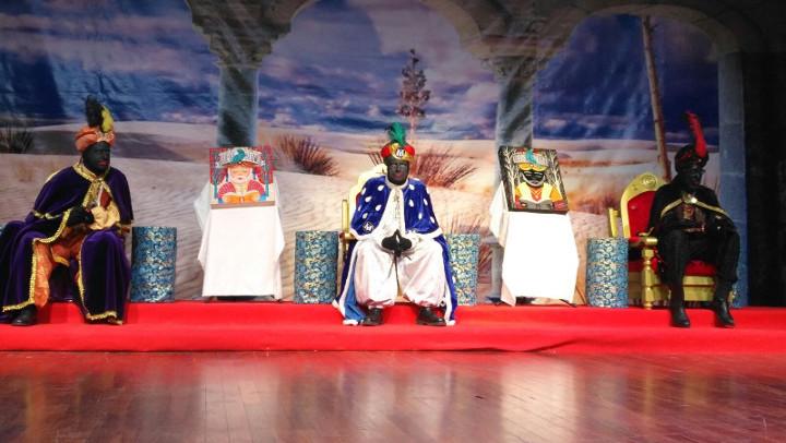 El Patge Makalí, l'emissari reial a Vilanova, enceta la visita al municipi a Ràdio Nova i el Saló de la Infància | ÀUDIO