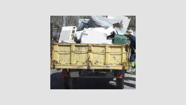 L'Ajuntament demana més prudència quan es treguin trastos vells al carrer per evitar accidents