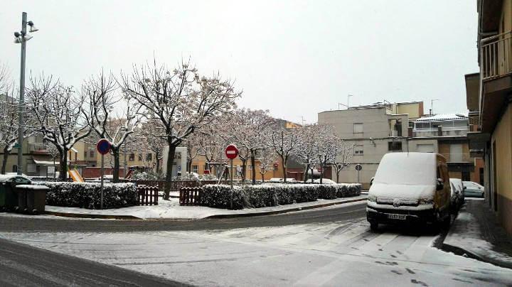 Ensenyament i transport col·lectiu afectats per la neu a Vilanova del Camí