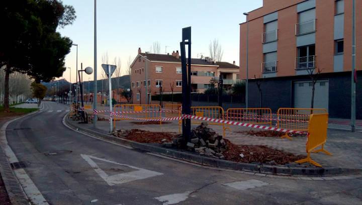La regidoria d'Obres proposa una actuació per adreçar el passeig de la Indústria i guanyar espai d'aparcament