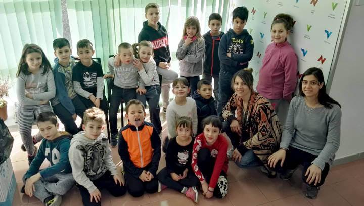 Dos nous grups de segon de primària del Joan Maragall visiten Ràdio Nova i l'Ajuntament  ÀUDIO 