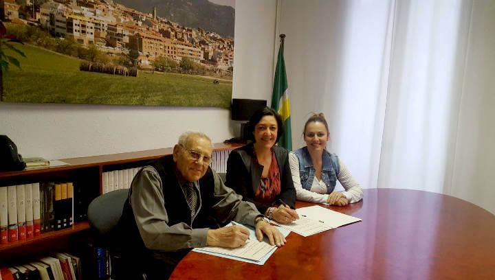 L'Ajuntament fomenta la cooperació i la col·laboració amb l'Associació de Pensionistes i Jubilats
