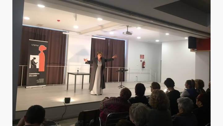 Reflexions sobre el paper de les dones i altres dilemes centren el debat posterior a la representació de la tragèdia grega Ismene
