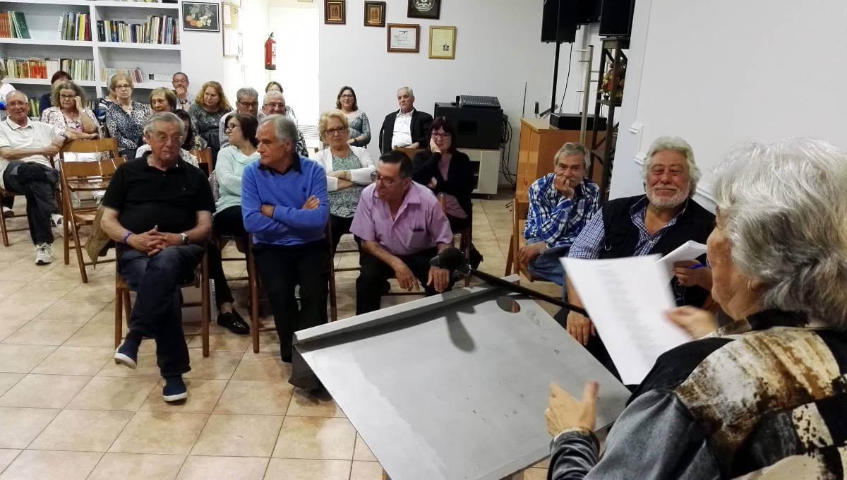 El recital poètic de Sant Jordi de la UCE Anoia torna a fer ple i estrena debutants  ÀUDIO i FOTOS 