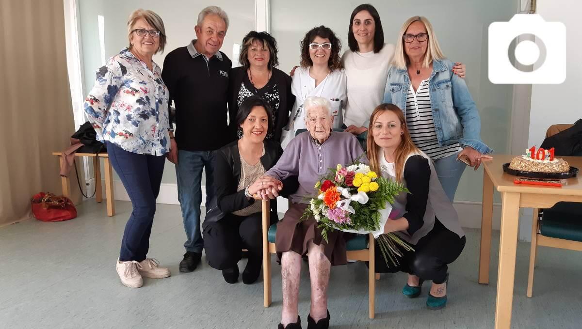 La vilanovina Maria Luque Orgas va fer aquest dijous 101 anys |FOTOS|