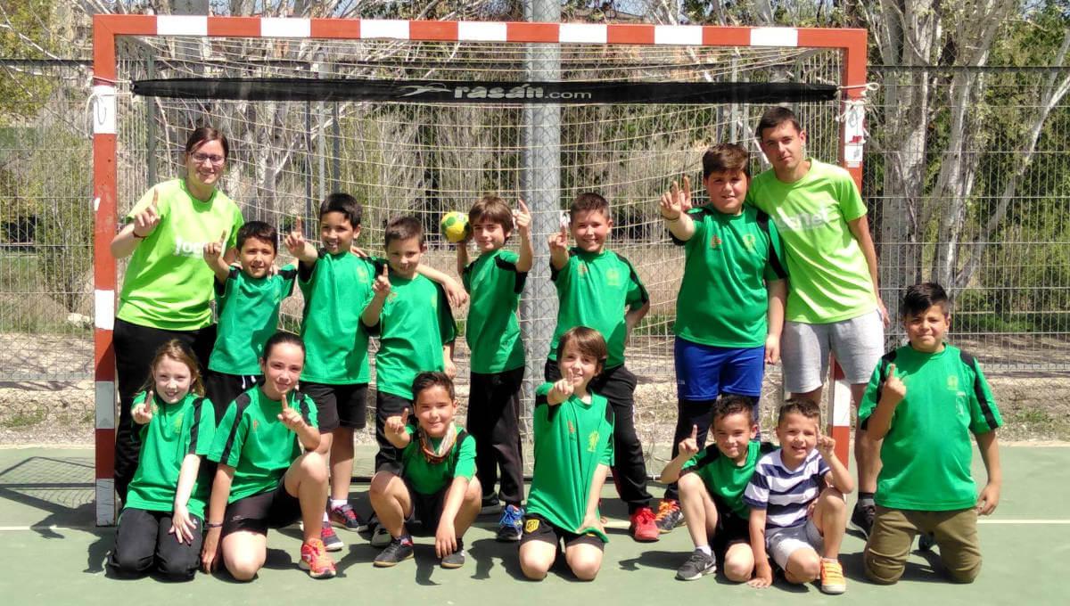 L'equip benjamí del Joan Maragall al capdavant del Jocs Escolars de poliesportiu