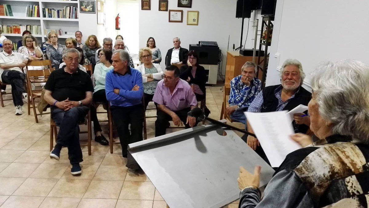 La seu de la Unión Cultural Extremenya acull el recital poètic anual, aquest dissabte