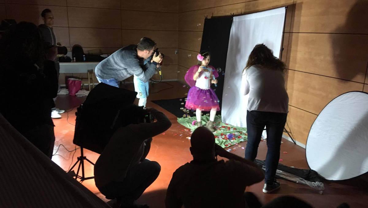 Can Papasseit acull una exposició que mostra el treball d'un taller amateur de fotografia |ÀUDIO|