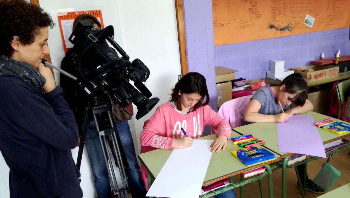 TV3 visita l'Escola Pompeu Fabra que ha participat en la promoció de les 10 paraules més boniques del català