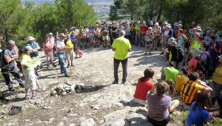 Participada caminada en memòria de Jordi Mateu amb una bona colla d'entitats anoienques