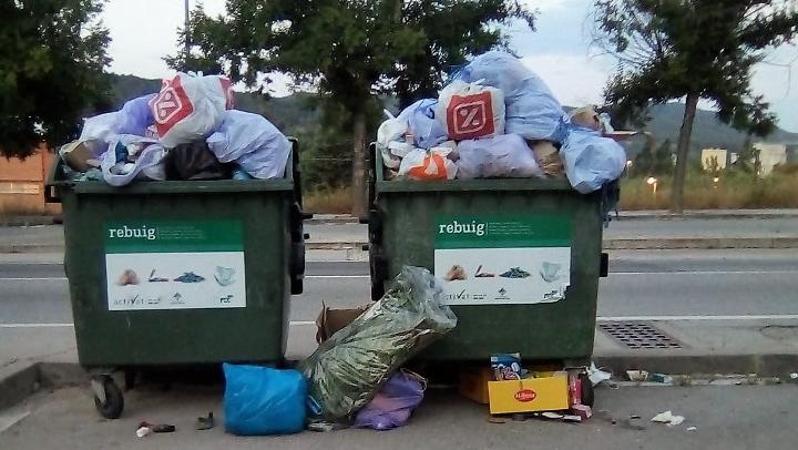 """L'Ajuntament de Vilanova retirarà els contenidors dels carrers del polígon """"per evitar que altres poblacions hi aboquin la seva brossa"""""""