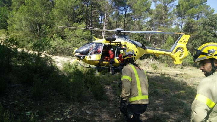 Policia i Bombers col·laboren en el rescat d'un home de 91 anys que ha estat evacuat en helicòpter des d'Els Esgavellats