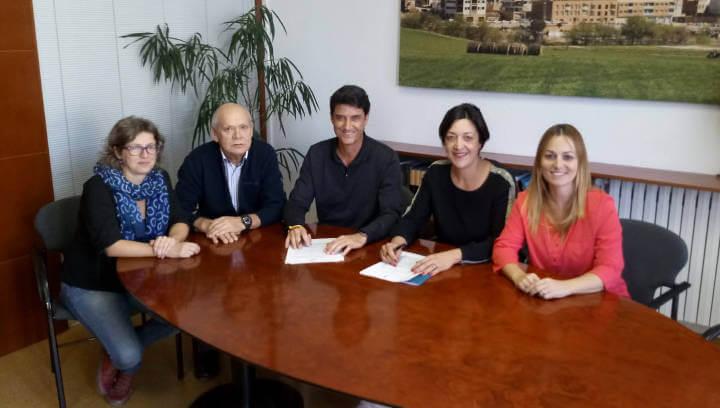 L'Ajuntament i Creu Roja Anoia continuen treballant plegats per tirar endavant projectes com el Banc de la Teca