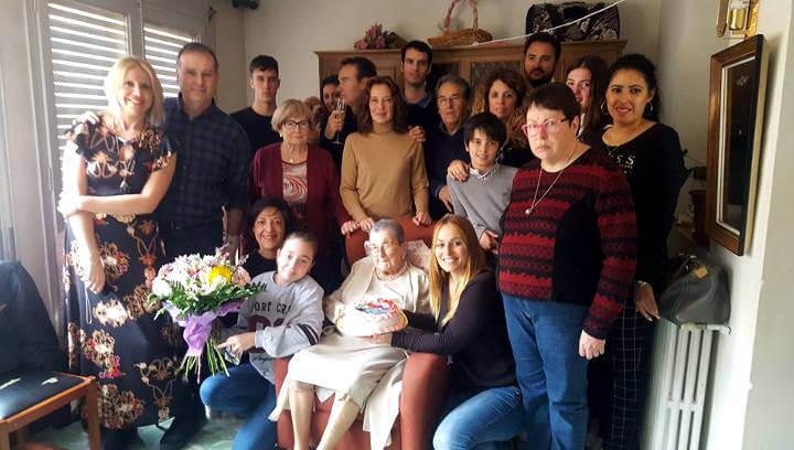 Conxita Casellas continua sumant anys en companyia de la seva família i ja en van 109