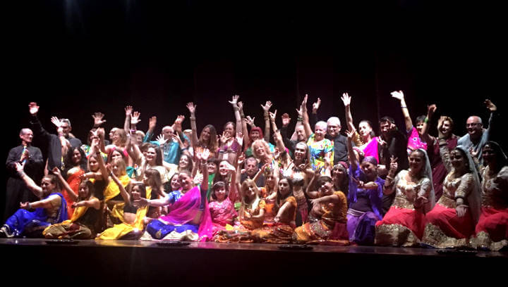 Sweet India recull l'energia i la generositat d'un nou Divali solidari a Can Papasseit |ÀUDIO