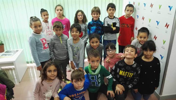 La visita escolar de la classe de 2n C del Joan Maragall omple d'Unicorns Ràdio Nova | ÀUDIO i FOTOS