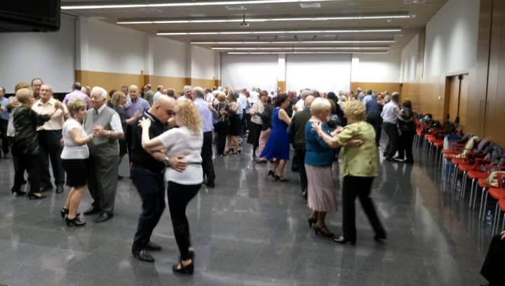 Més de 200 persones ballen al Centre d'Innovació Anoia