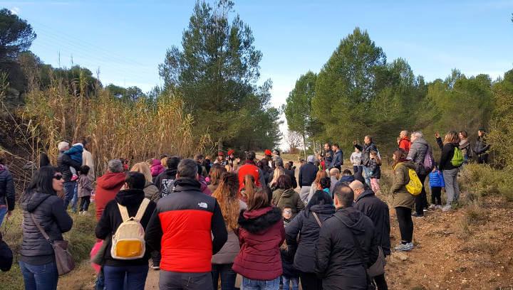 Emocionant i participada sortida familiar per seguir les petjades d'un tió que torna per segon any, a la muntanya vilanovina | ÀUDIO