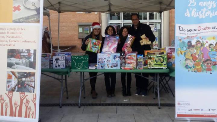 La generositat vilanovina contribueix amb escreix a la campanya de joguines de Creu Roja Anoia | ÀUDIO