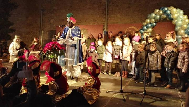 La Festa de Reis torna a emocionar als infants vilanovins amb una rebuda plena d'agraïment | FOTOS
