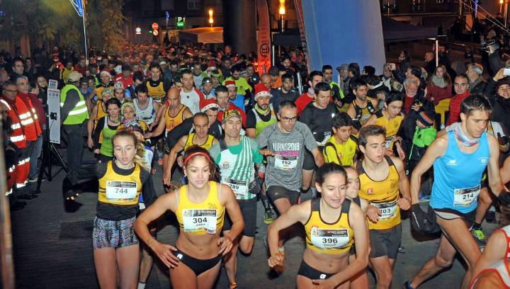 Albert Moreno i Anna Torras, del CAI Petromiralles, guanyadors absoluts de la 20a Sant Silvestre a Vilanova del Camí | FOTOS
