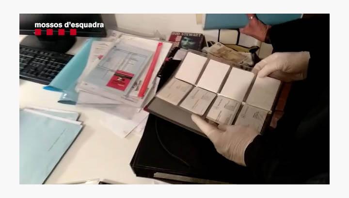 Desarticulen una xarxa criminal per haver estafat mig milió d'euros i usurpar la identitat de clients d'un concessionari de l'Anoia