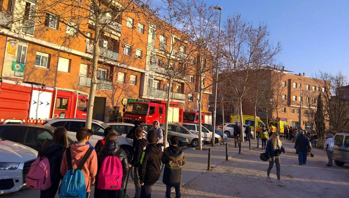 Ensurt al carrer Cardenal Cisneros arran d'un conat d'incendi en una cuina