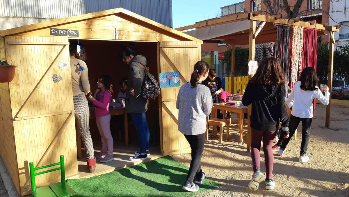 Les famílies usuàries d'El Cireret comparteixen berenar i espai de jocs |  ÀUDIO i FOTOS