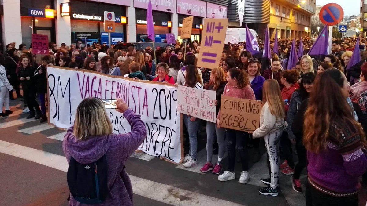 Vilanova del Camí es concentrarà a les 18 h davant l'Ajuntament en favor de la víctima de la 'Manada de Manresa'