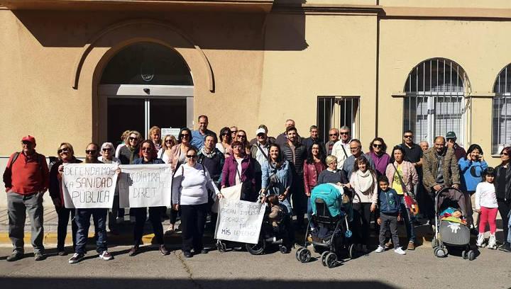 Unes 200 persones reclamen a Igualada un servei de pediatria digne per a la comarca de l'Anoia