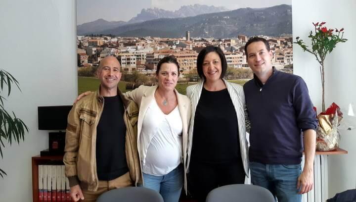 L'alcaldessa Noemí Trucharte i la Fundació   Cruyff signen un conveni per dotar el municipi d'un Cruyff Court el 2020