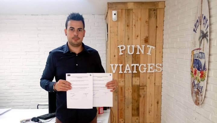 Vilanova Comerç signa un conveni de col·laboració amb Punt Viatges