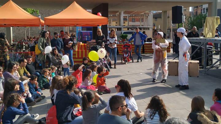 Vilanova del Camí va viure aquest dimarts una excel·lent diada de Sant Jordi | ÀUDIO i FOTOS