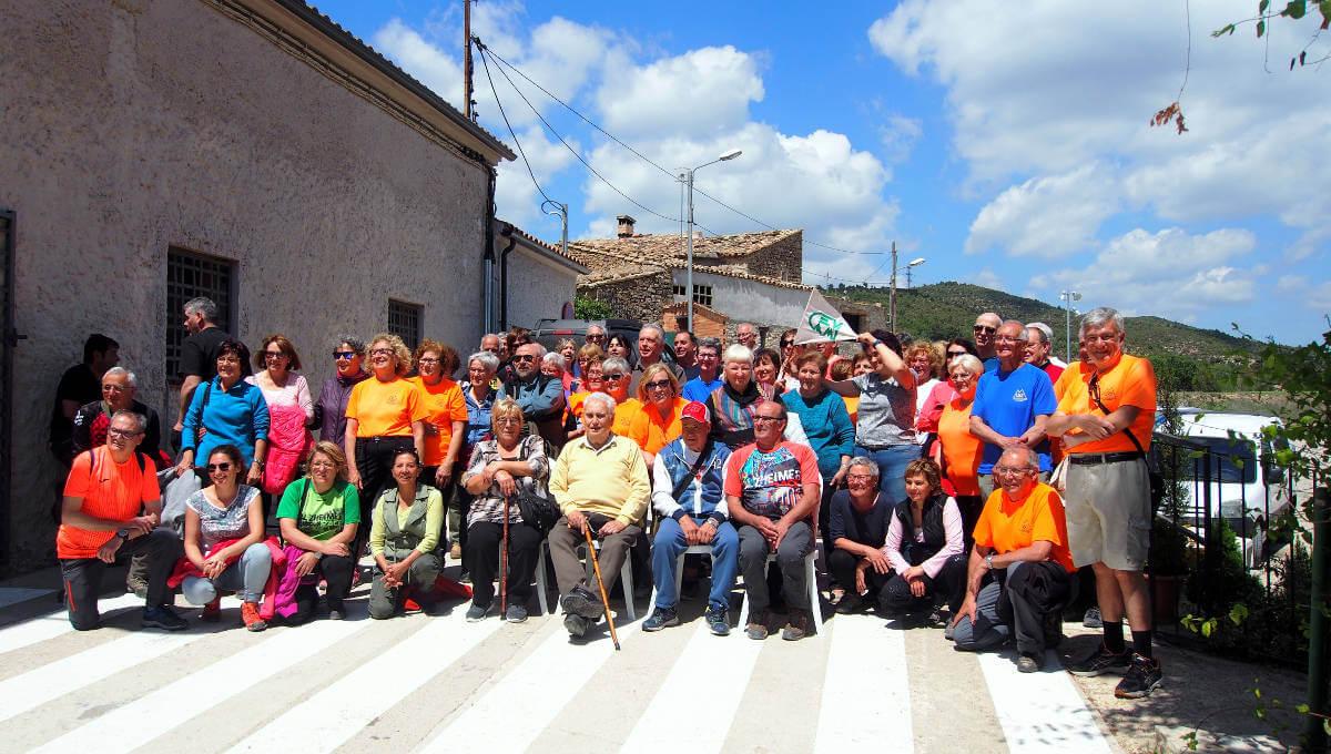 La Colla Excursionista vilanovina bufa vint espelmes d'aniversari a Rubió
