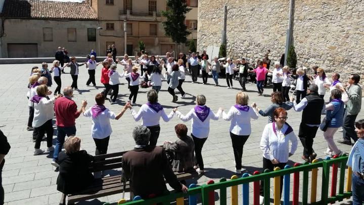 Vilanova del Camí celebra la 8a Festa Sardanista, diumenge, a la plaça del Mercat