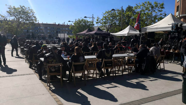 Motos, música, sol i bon ambient en la matinal organitzada per Lacetanis