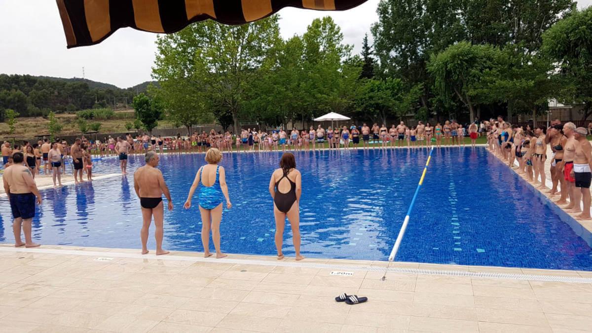 Més d'un centenar de persones participen en la festa solidària del Mulla't a Vilanova del Camí | FOTOS
