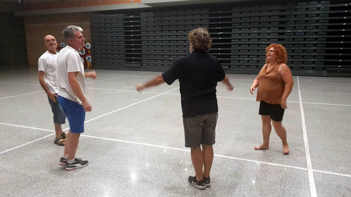 L'Ajuntament i l'Esbart conviden tothom a aprendre la Dansa de Vilanova que es ballarà diumenge de Festa Major