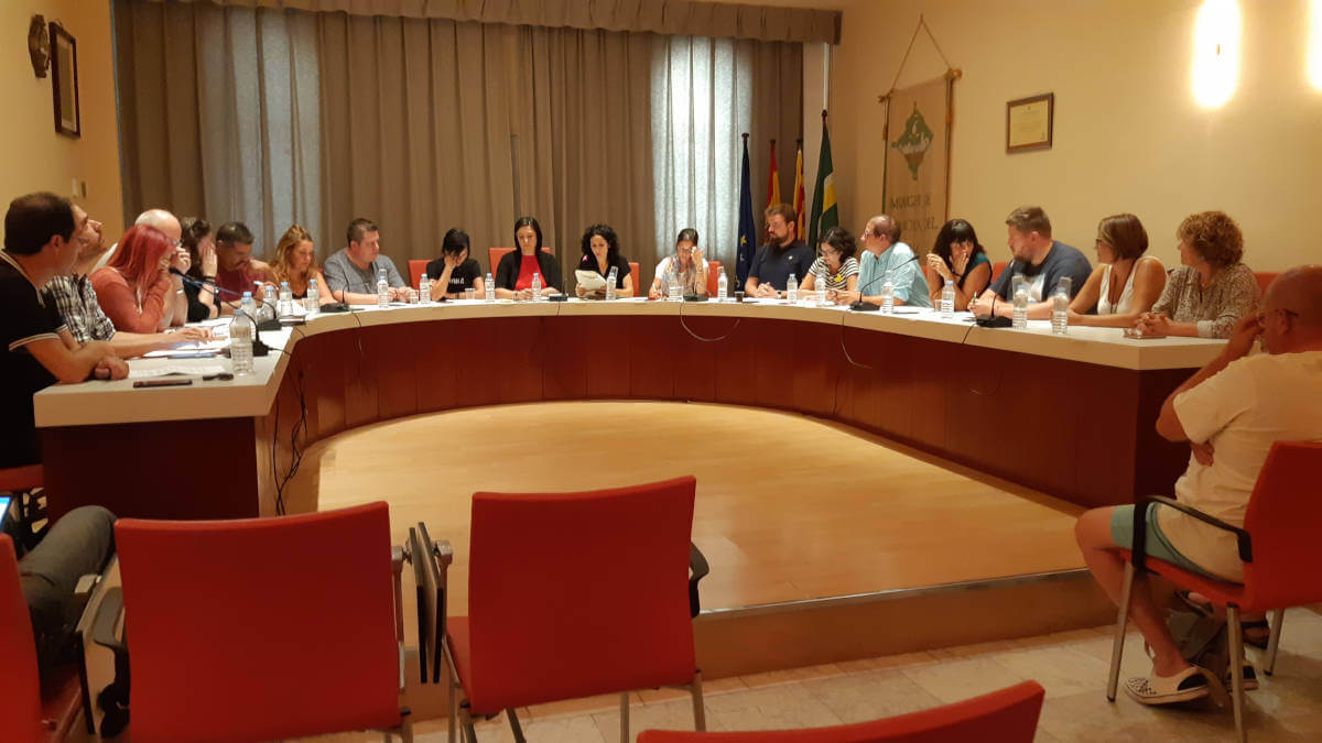 El Ple aprova la declaració de Vilanova del Camí com a municipi antifeixista   CRÒNICA DEL PLE