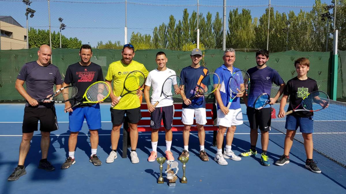 El CT Vilanova estrena oficialment les pistes tennis en el Trofeu de Festa Major amb el CT La Pobla de Claramunt