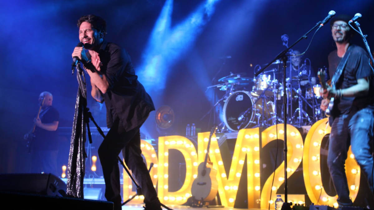 El concert de David DeMaria aplega a la plaça del Mercat prop de 5.000 persones | VÍDEO i FOTOS